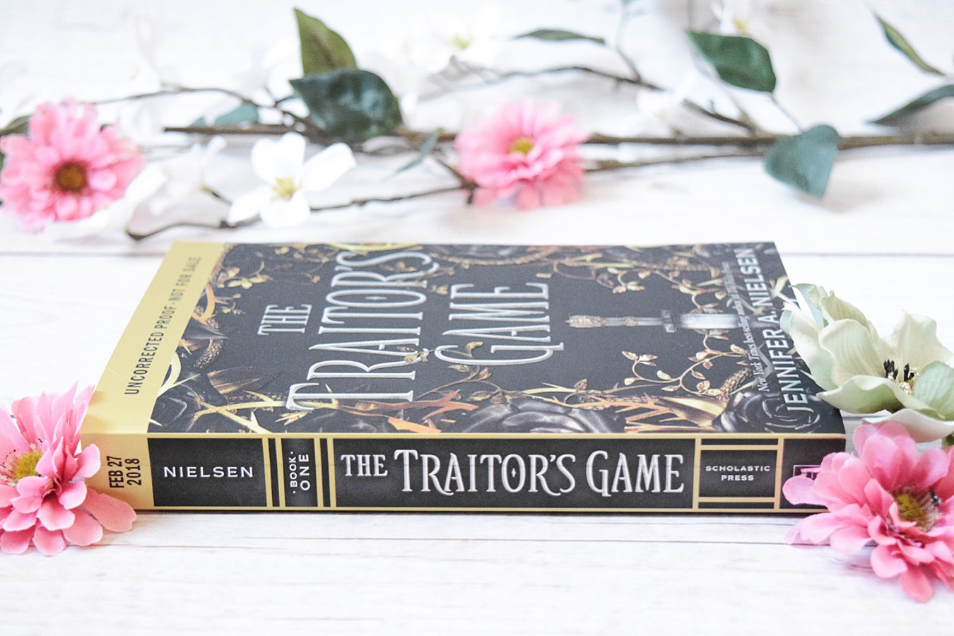 Arcstravaganza The Traitor S Game Jennifer A Nielsen Paws Paperbacks